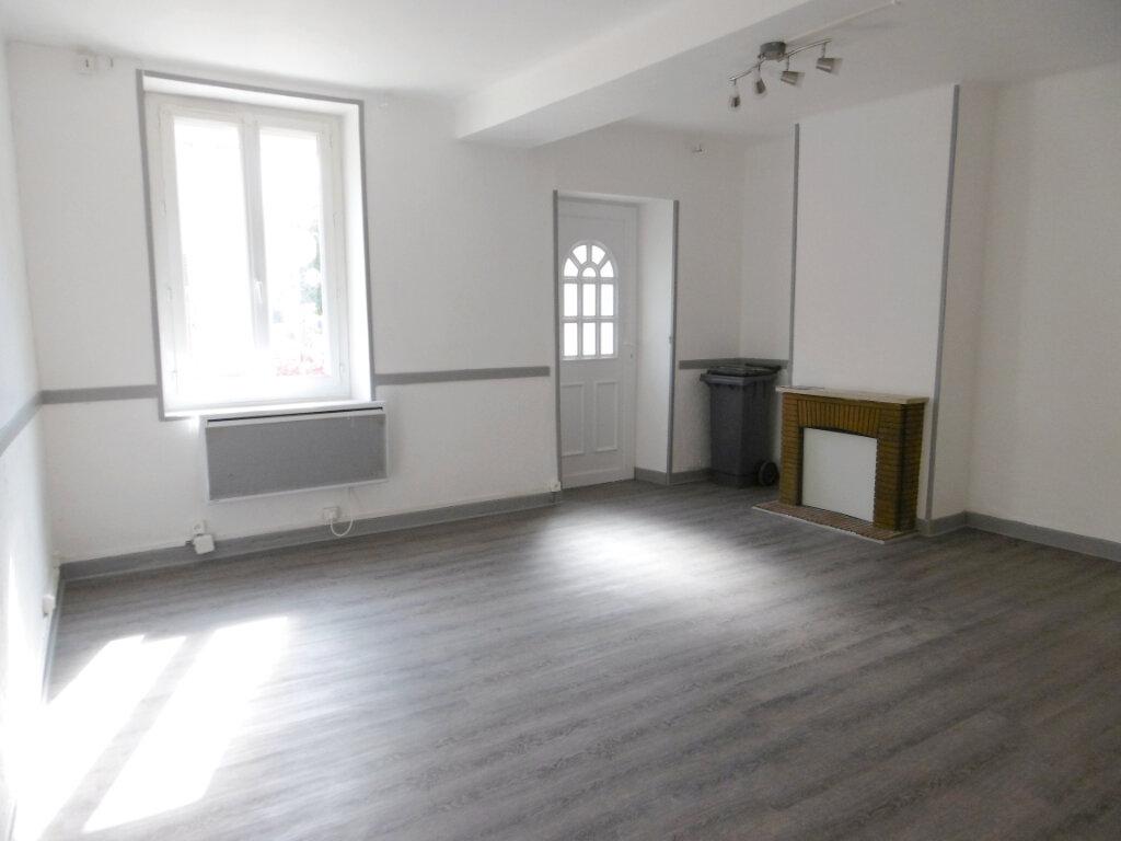Appartement à louer 1 39.5m2 à Bray-en-Val vignette-1