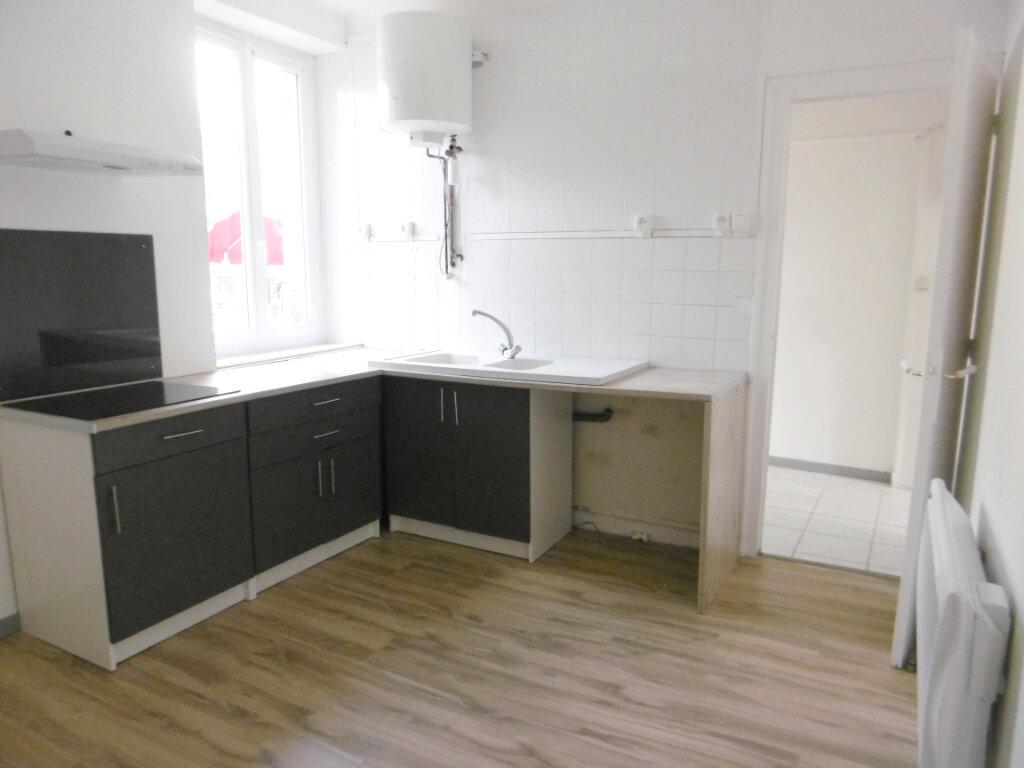 Appartement à louer 1 39.5m2 à Bray-en-Val vignette-3