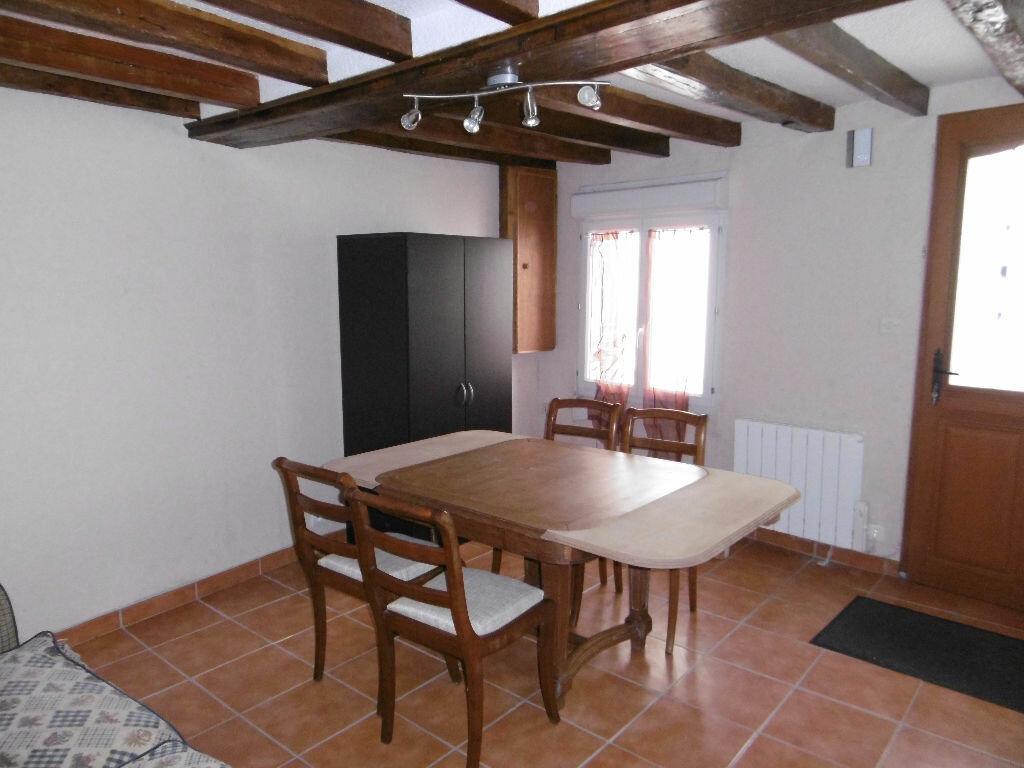 Appartement à louer 1 29m2 à Sully-sur-Loire vignette-1