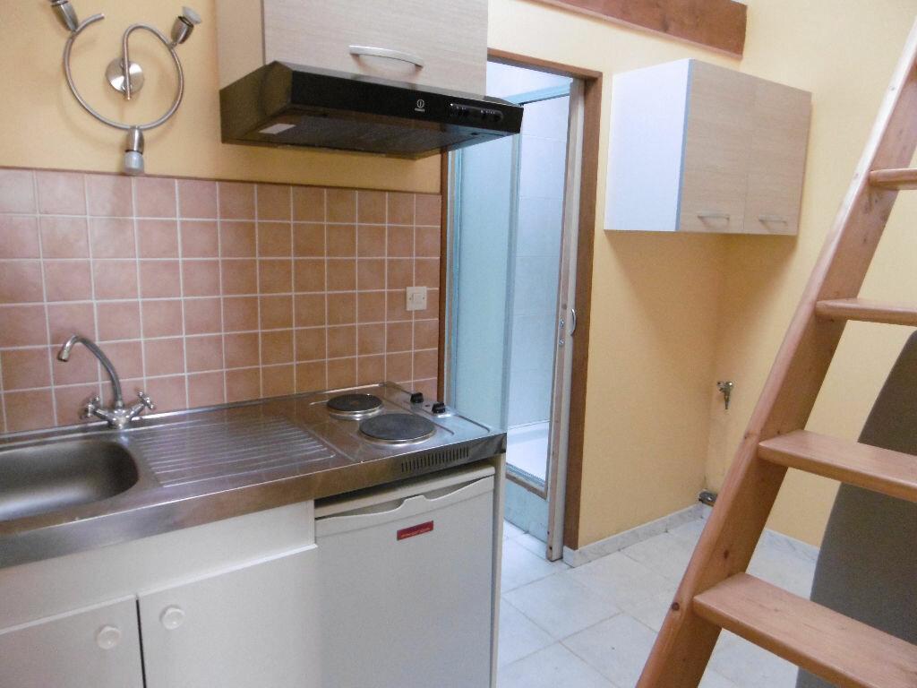 Appartement à louer 1 29m2 à Sully-sur-Loire vignette-4