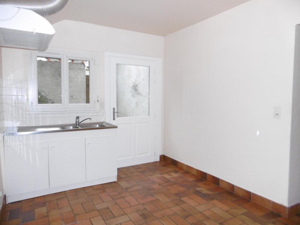 Appartement à louer 2 42m2 à Saint-Benoît-sur-Loire vignette-2