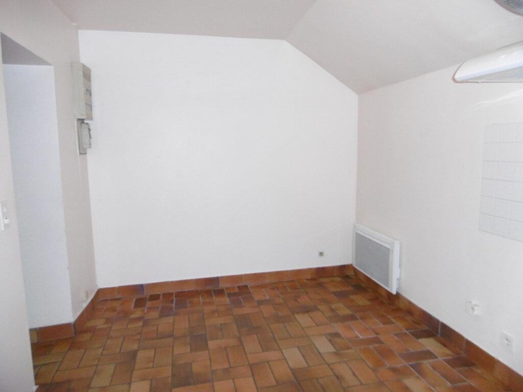 Appartement à louer 2 42m2 à Saint-Benoît-sur-Loire vignette-6