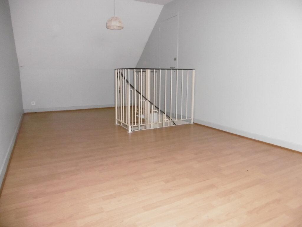 Appartement à louer 2 42m2 à Saint-Benoît-sur-Loire vignette-7