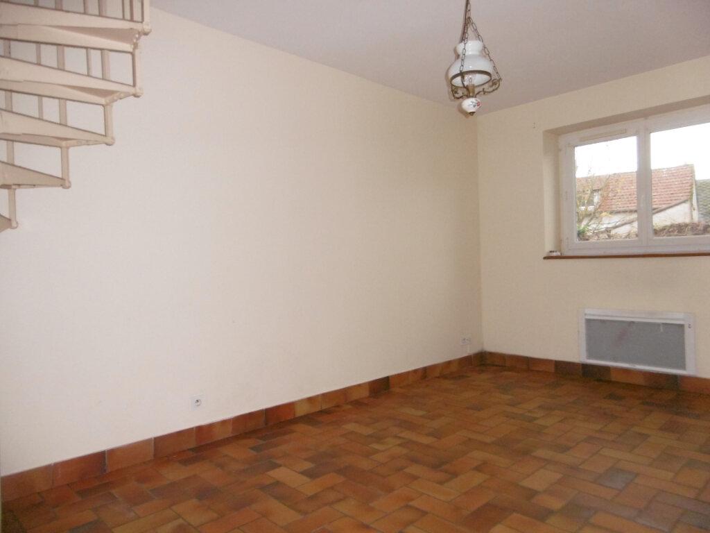Appartement à louer 2 42m2 à Saint-Benoît-sur-Loire vignette-10