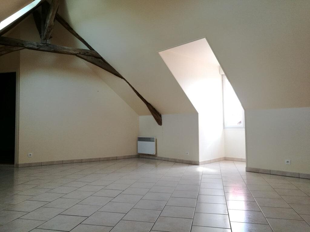 Appartement à louer 3 54m2 à Saint-Florent vignette-2