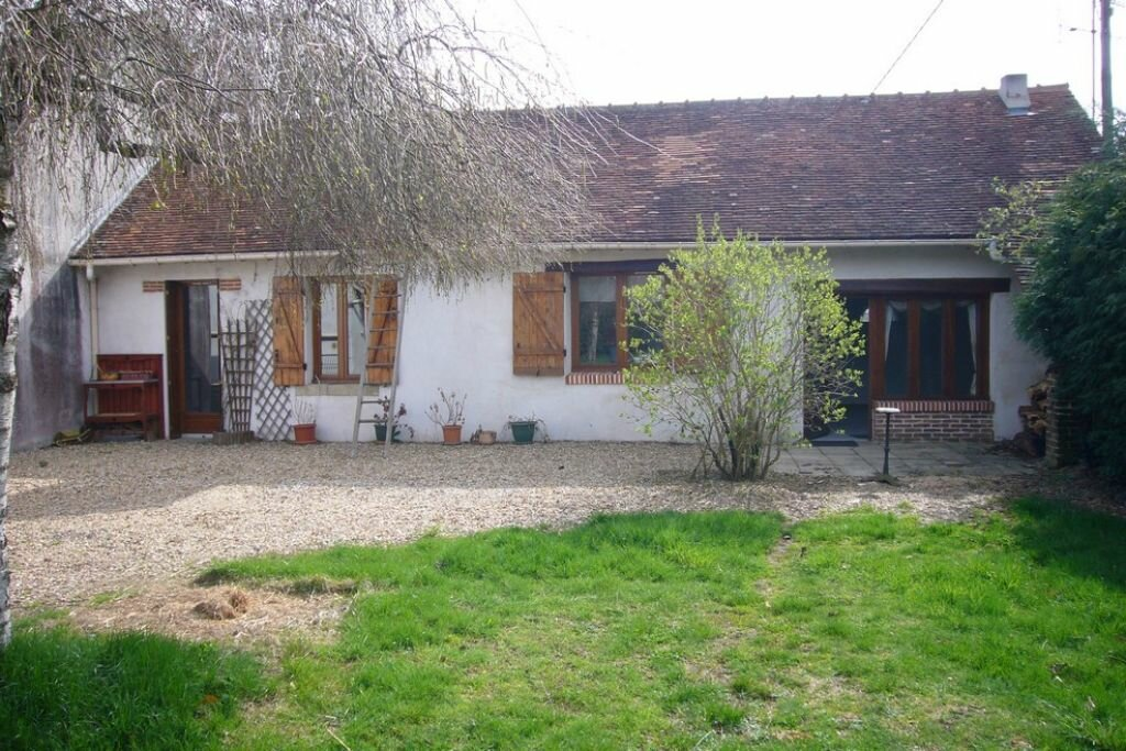 Maison à louer 3 60m2 à Guilly vignette-2