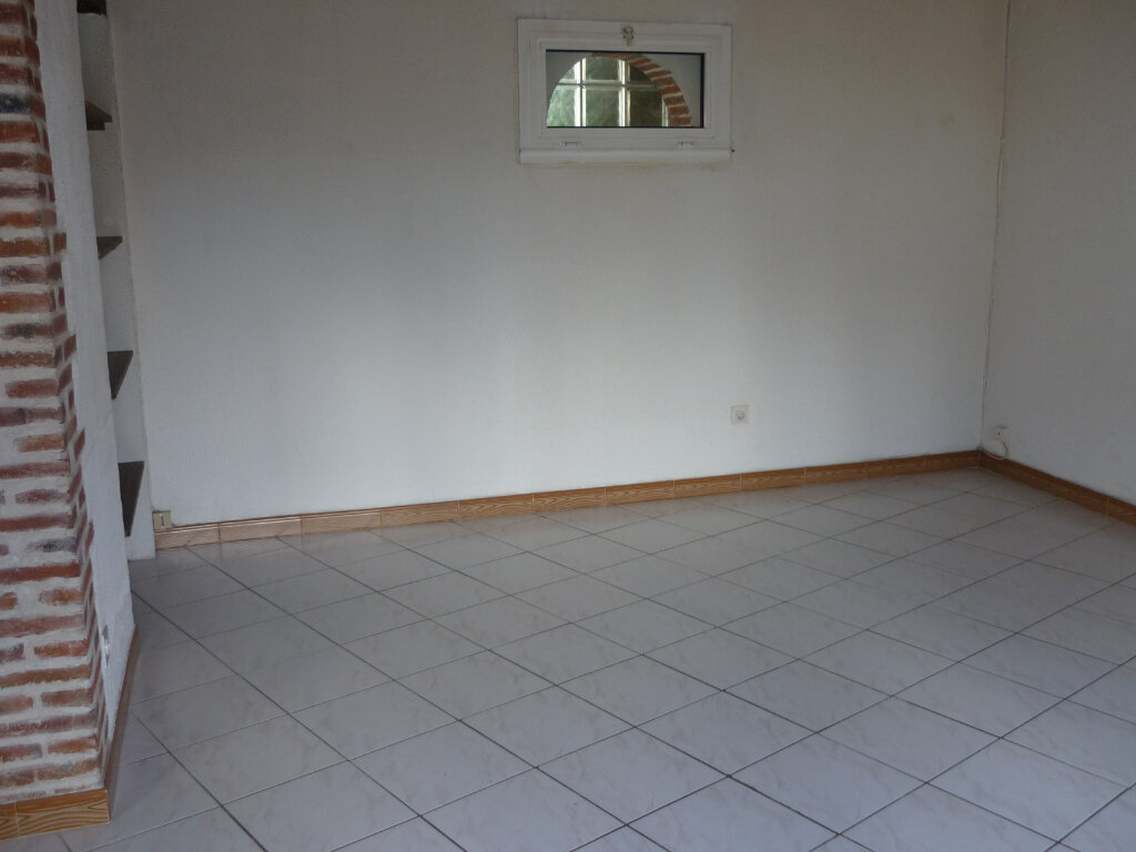 Maison à louer 3 60m2 à Guilly vignette-5