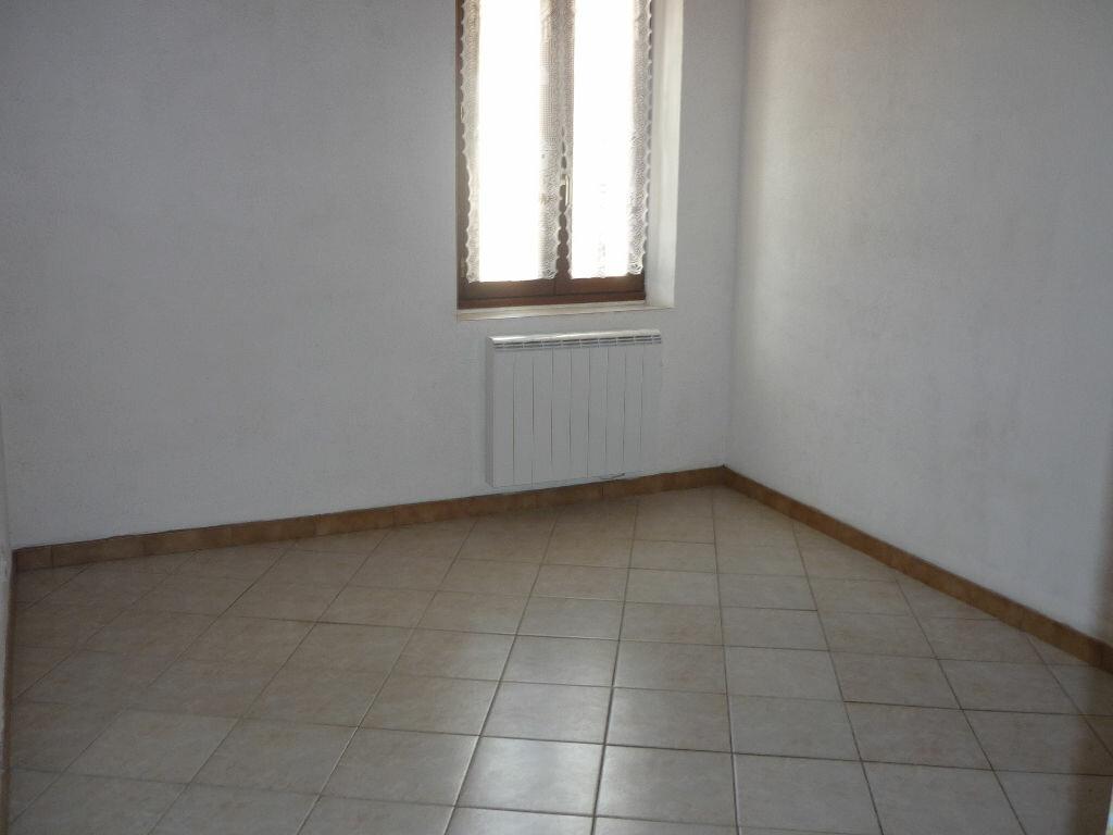 Maison à louer 3 60m2 à Guilly vignette-7