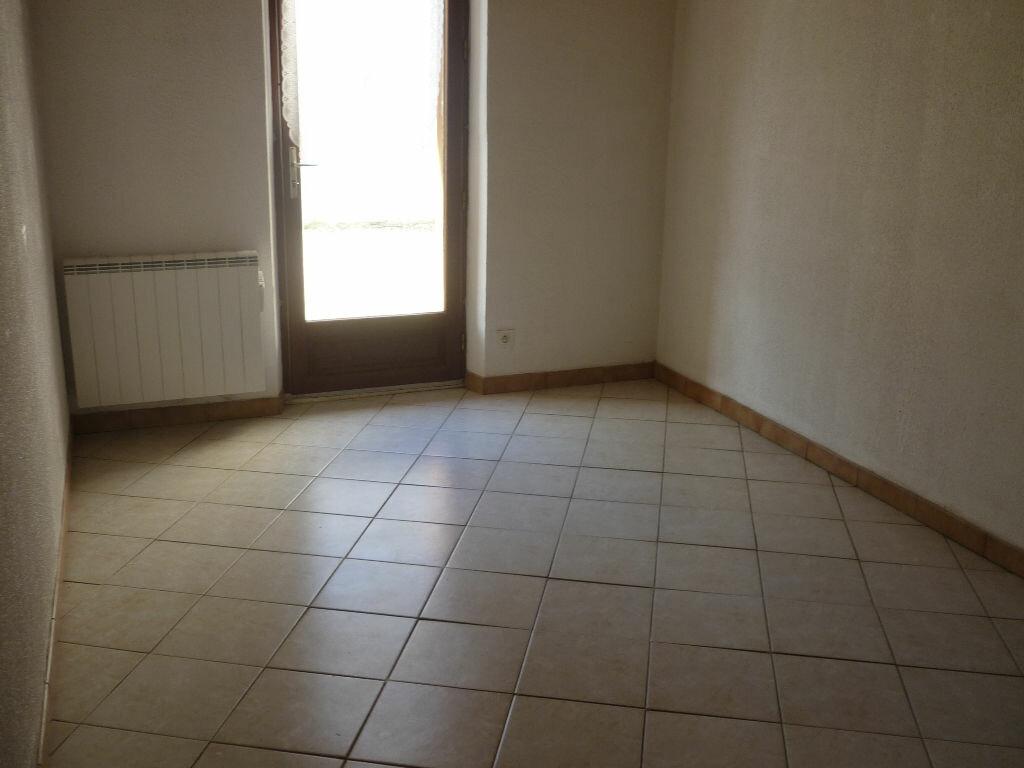 Maison à louer 3 60m2 à Guilly vignette-8