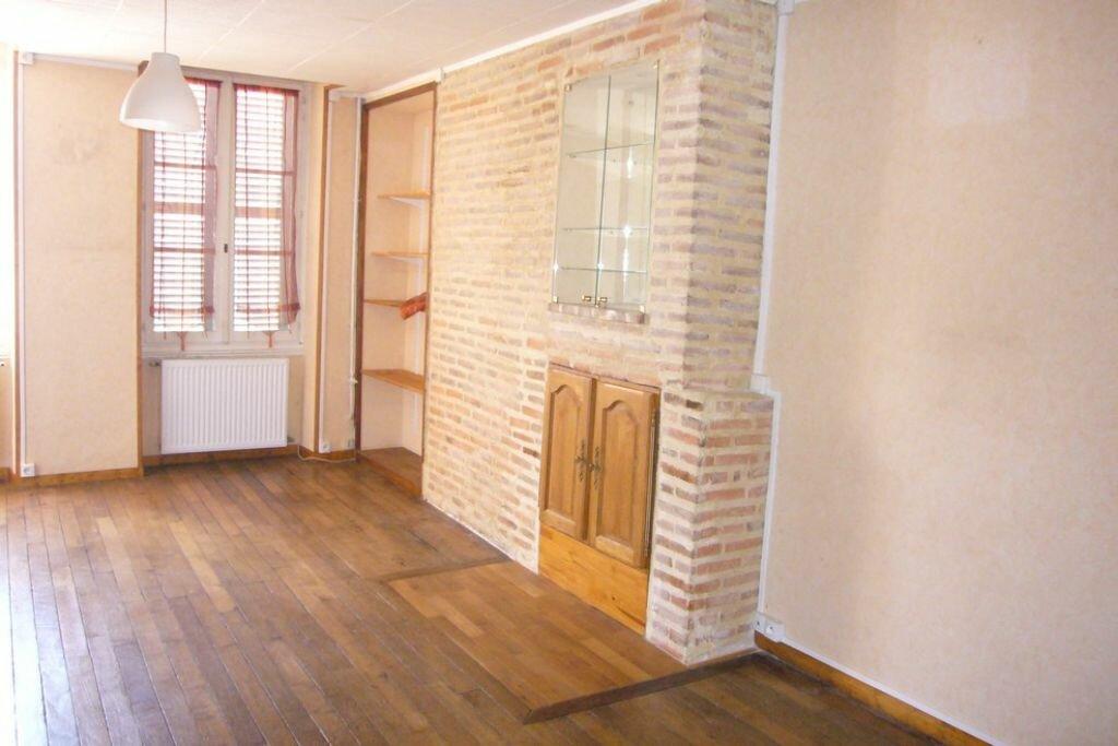 Appartement à louer 2 62m2 à Sully-sur-Loire vignette-1