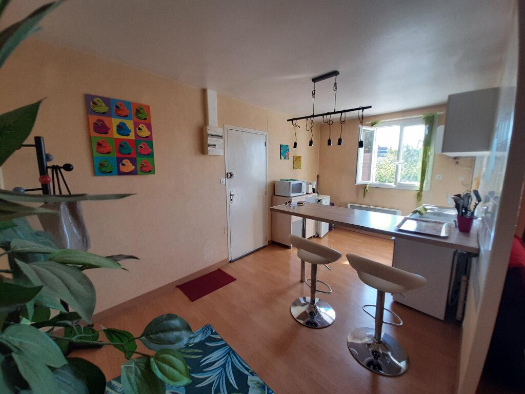 Appartement à louer 2 45m2 à Sully-sur-Loire vignette-1