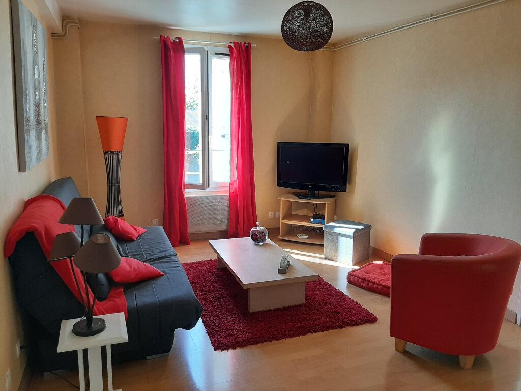 Appartement à louer 2 45m2 à Sully-sur-Loire vignette-2
