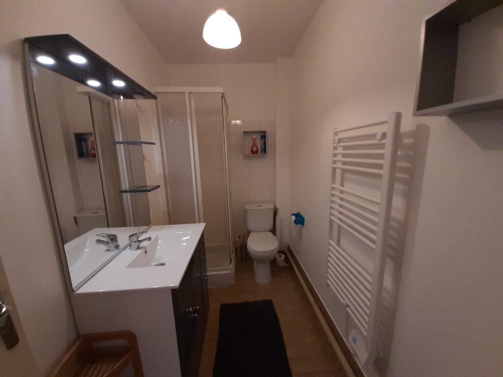 Appartement à louer 2 45m2 à Sully-sur-Loire vignette-4