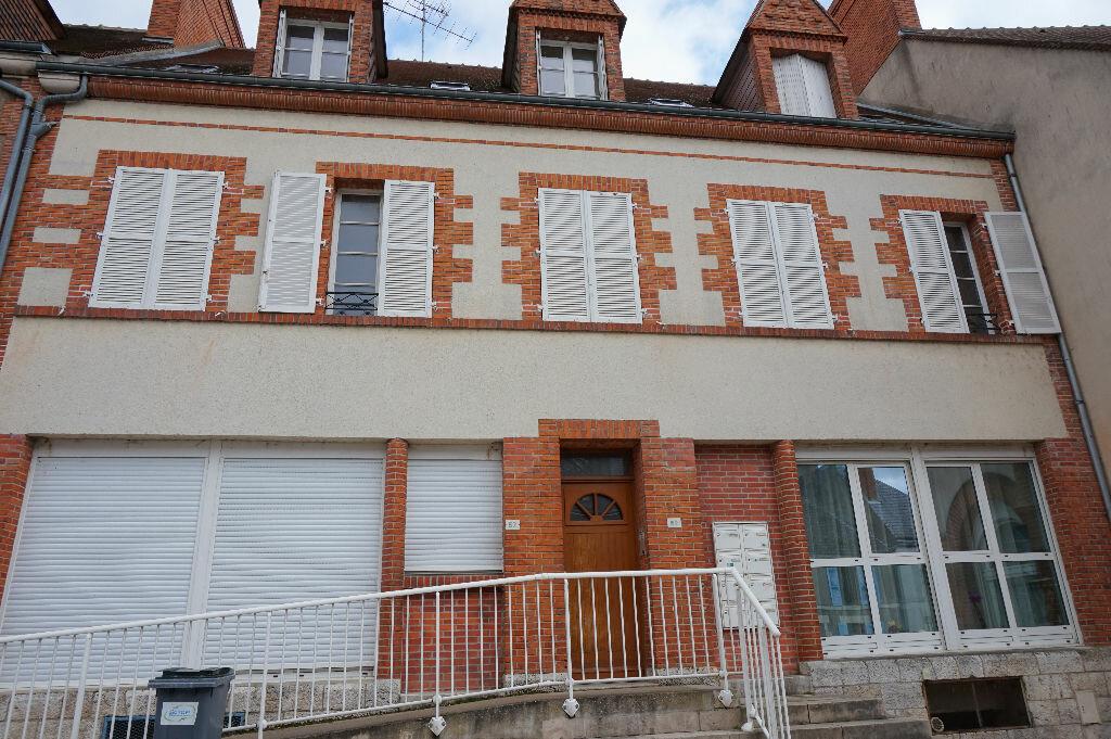 Appartement à louer 2 42m2 à Saint-Denis-de-l'Hôtel vignette-12