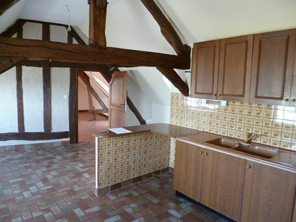 Appartement à louer 3 80m2 à Saint-Benoît-sur-Loire vignette-2