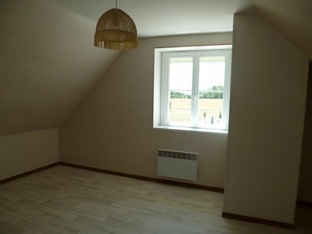 Appartement à louer 3 80m2 à Saint-Benoît-sur-Loire vignette-3