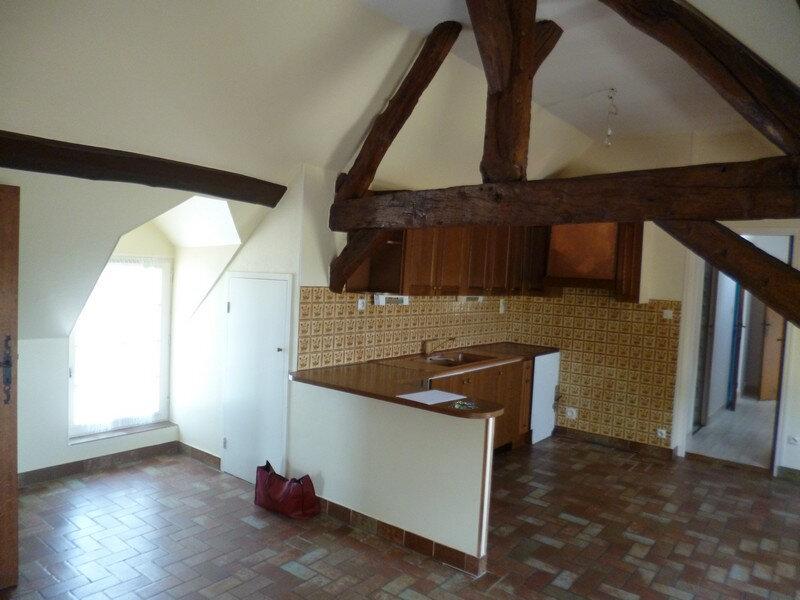 Appartement à louer 3 80m2 à Saint-Benoît-sur-Loire vignette-5