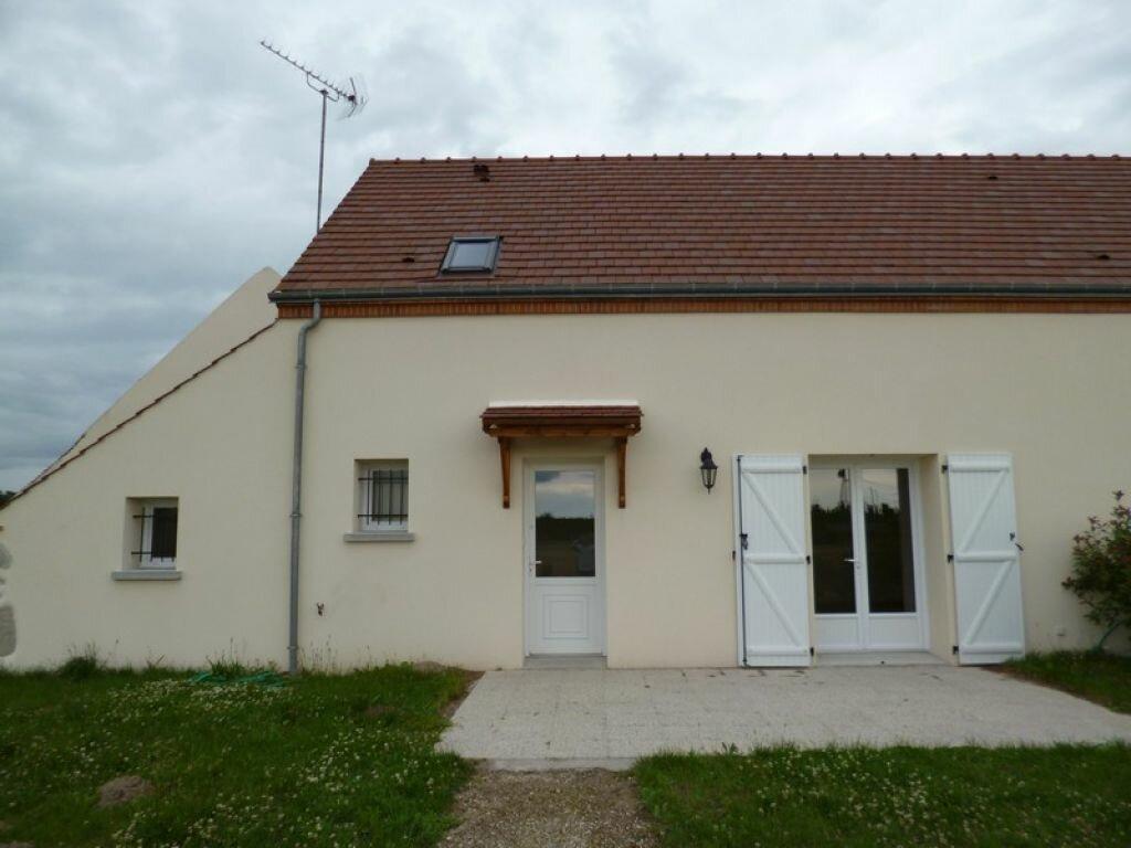 Maison à louer 4 85m2 à Bouzy-la-Forêt vignette-1