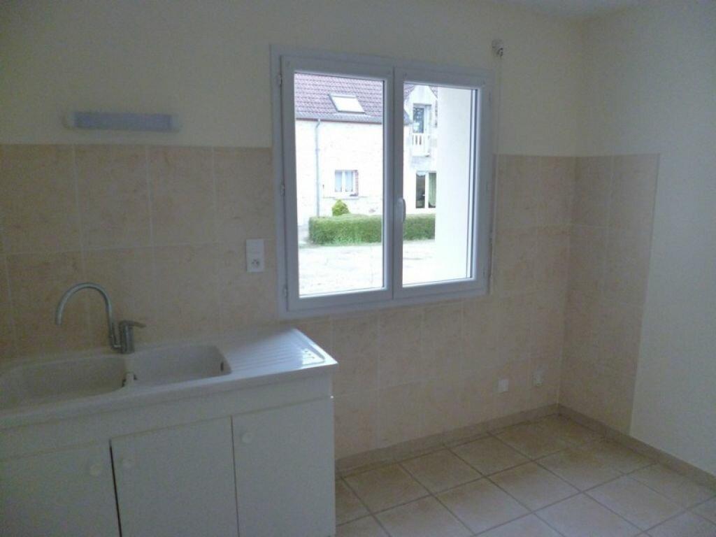 Maison à louer 4 85m2 à Bouzy-la-Forêt vignette-3