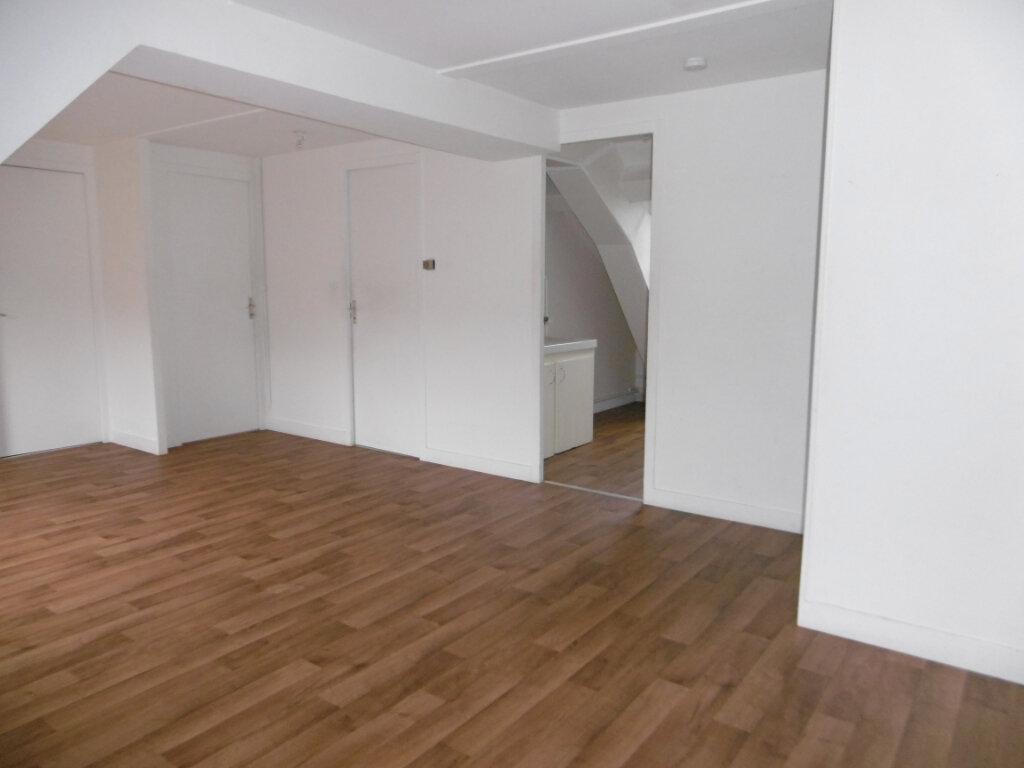 Appartement à louer 3 51m2 à Sully-sur-Loire vignette-1
