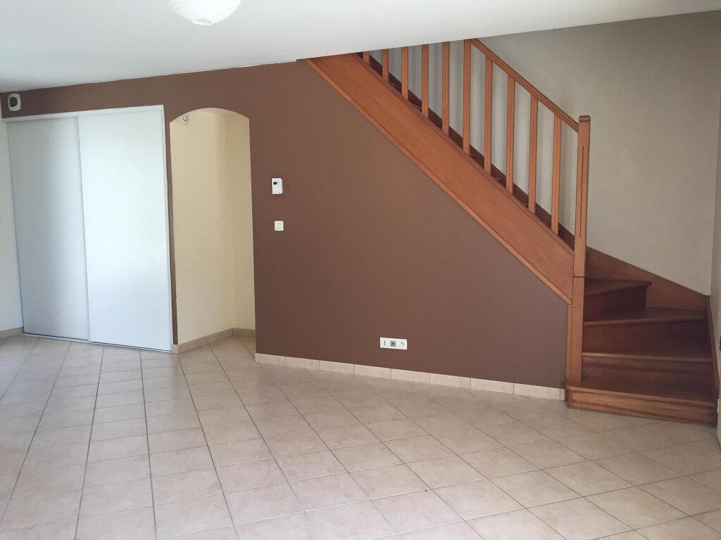 Maison à louer 3 62m2 à Les Bordes vignette-2