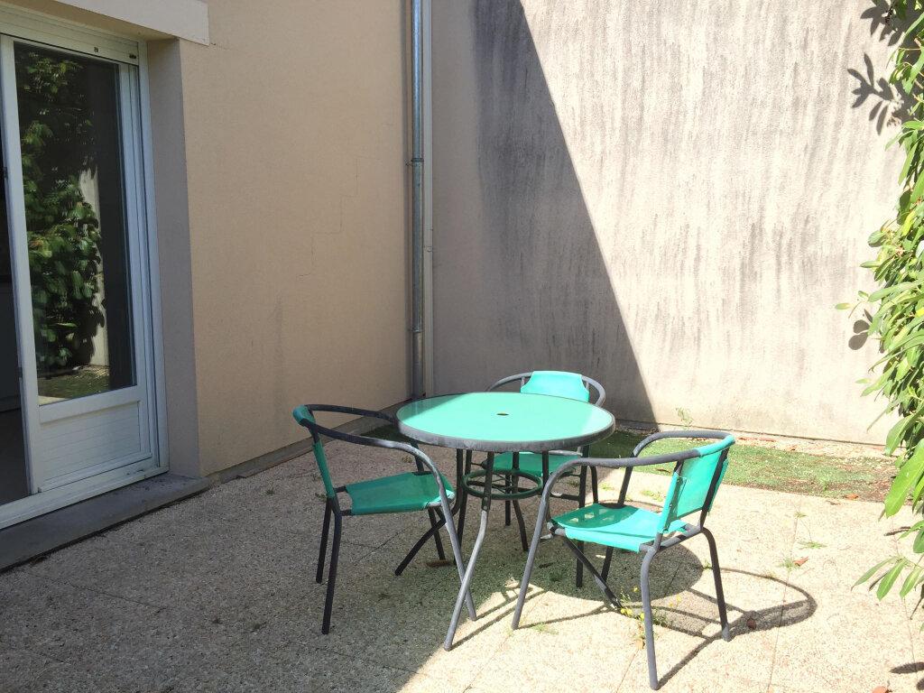 Maison à louer 3 62m2 à Les Bordes vignette-3
