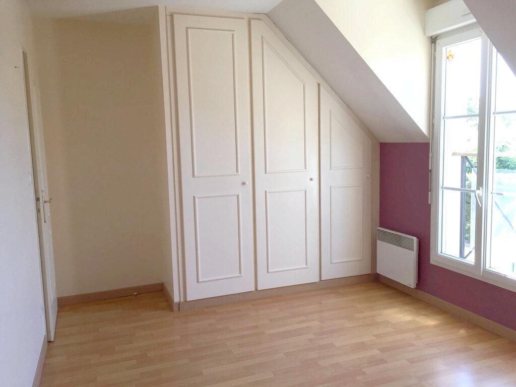 Maison à louer 3 62m2 à Les Bordes vignette-5