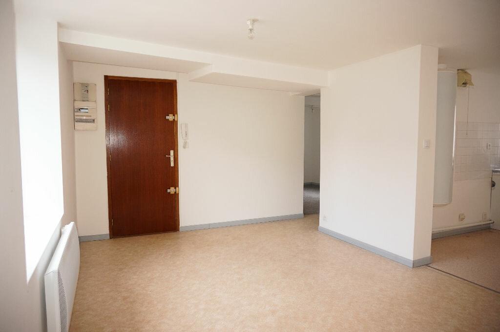 Appartement à louer 2 33m2 à Nogent-sur-Vernisson vignette-1