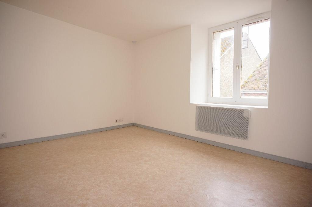 Appartement à louer 2 33m2 à Nogent-sur-Vernisson vignette-2