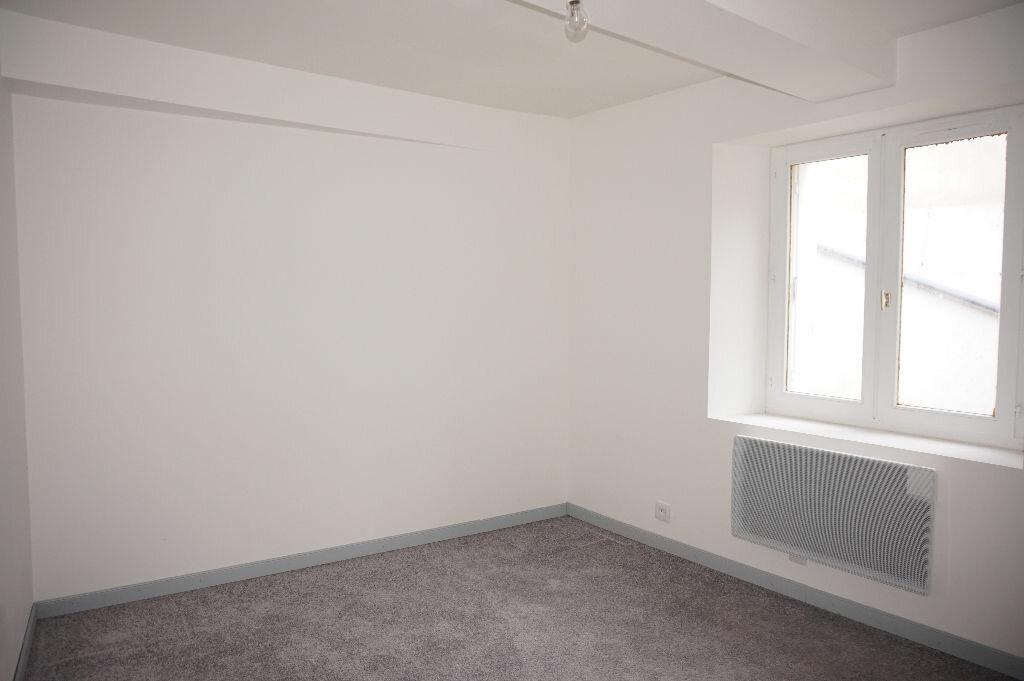Appartement à louer 2 33m2 à Nogent-sur-Vernisson vignette-4