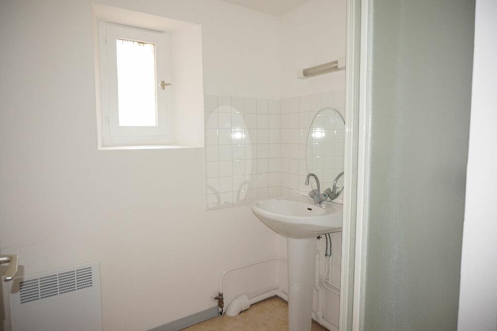 Appartement à louer 2 33m2 à Nogent-sur-Vernisson vignette-5