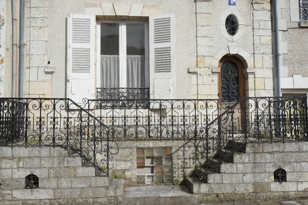 Maison à vendre 12 220m2 à Châtillon-Coligny vignette-1