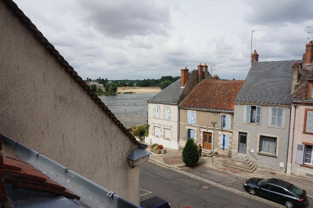 Appartement à louer 2 59m2 à Saint-Denis-de-l'Hôtel vignette-5