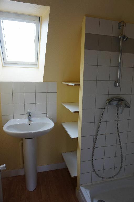 Appartement à louer 2 59m2 à Saint-Denis-de-l'Hôtel vignette-6