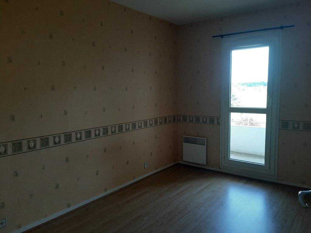 Appartement à louer 3 73m2 à Les Bordes vignette-4