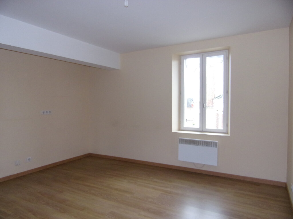 Appartement à louer 2 34m2 à Ladon vignette-2