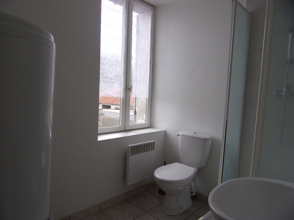 Appartement à louer 2 34m2 à Ladon vignette-4