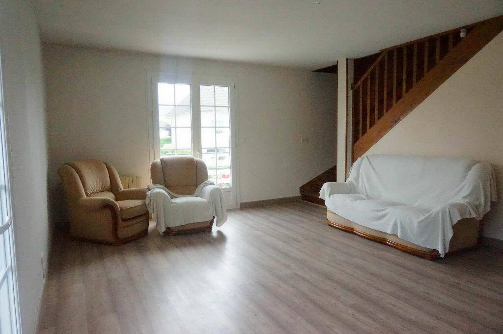 Maison à louer 5 108m2 à Châtillon-Coligny vignette-2