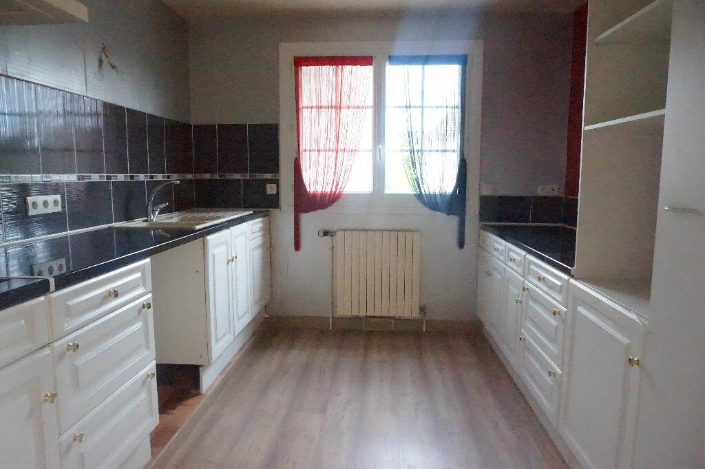 Maison à louer 5 108m2 à Châtillon-Coligny vignette-3