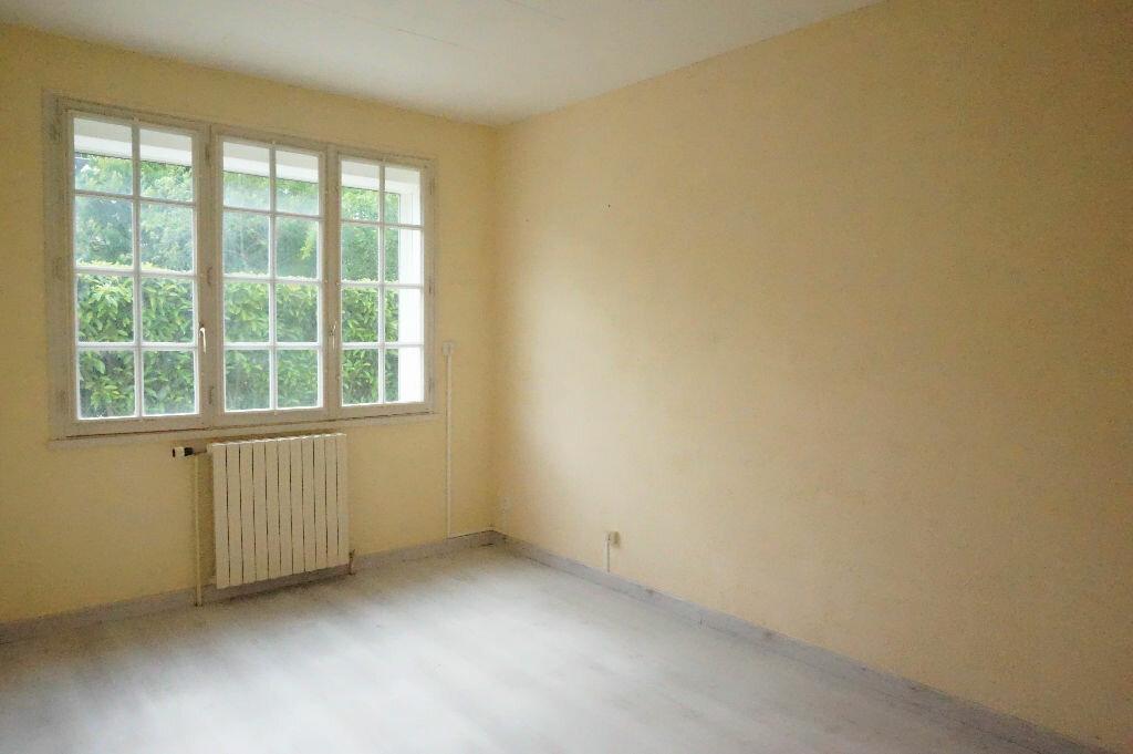 Maison à louer 5 108m2 à Châtillon-Coligny vignette-4