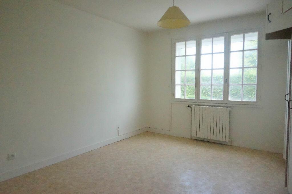 Maison à louer 5 108m2 à Châtillon-Coligny vignette-5