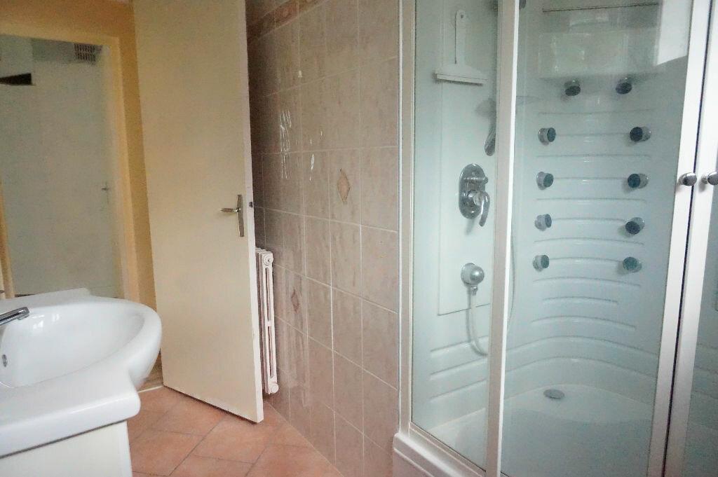 Maison à louer 5 108m2 à Châtillon-Coligny vignette-6