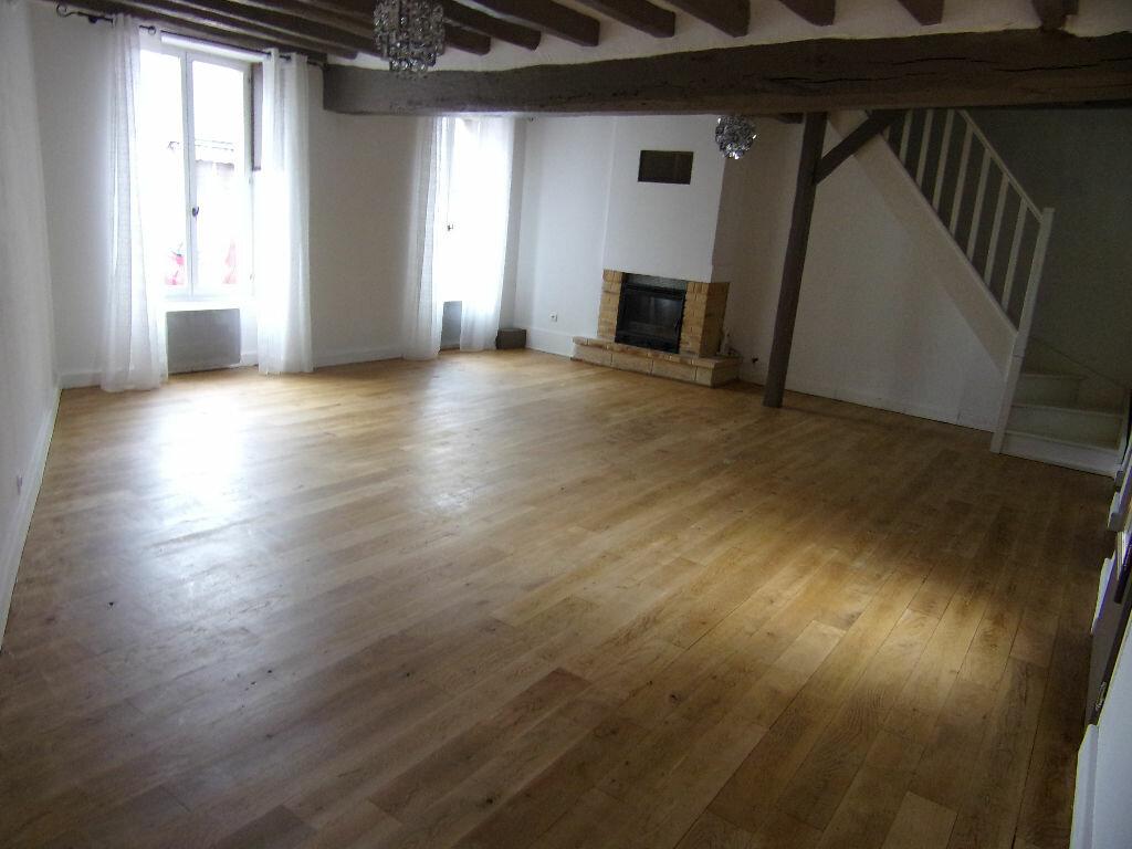 Maison à louer 3 93.42m2 à Ladon vignette-3