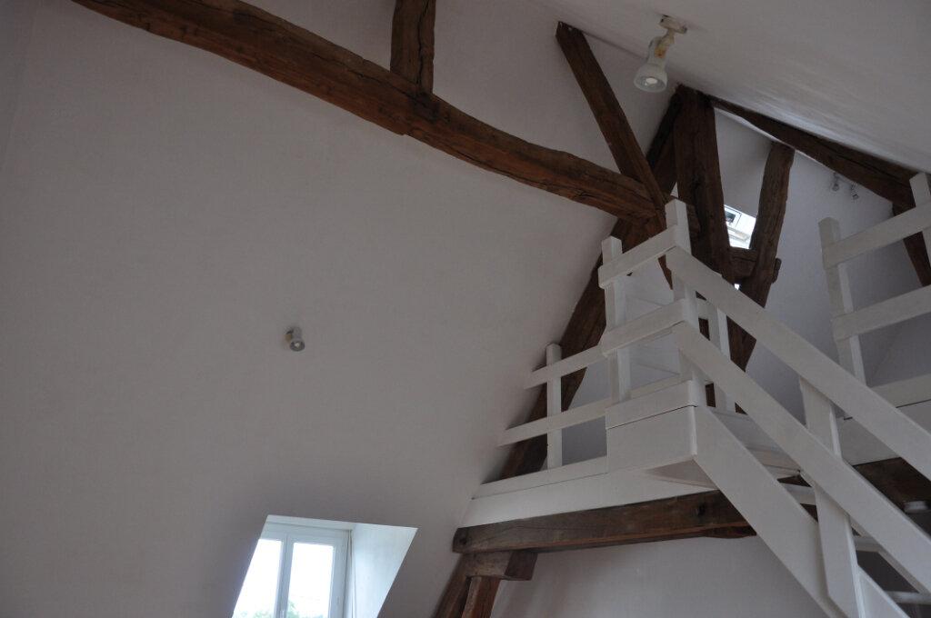 Appartement à louer 3 61.6m2 à Sully-sur-Loire vignette-2