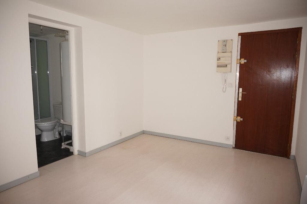 Appartement à louer 1 22.26m2 à Nogent-sur-Vernisson vignette-2