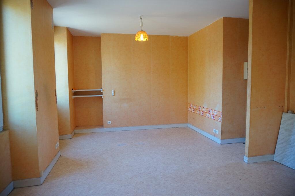 Appartement à louer 2 34m2 à Lorris vignette-3