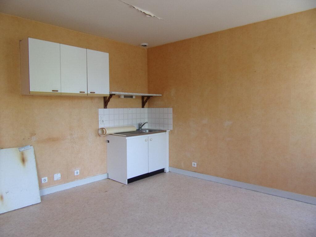 Appartement à louer 2 34m2 à Lorris vignette-4