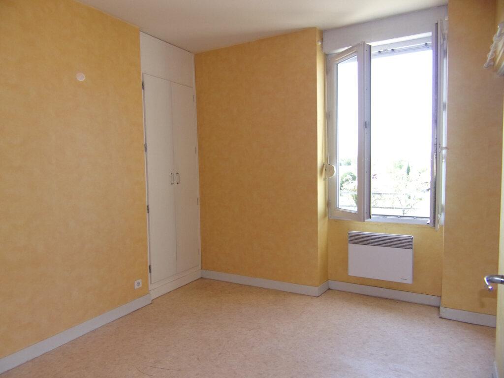 Appartement à louer 2 34m2 à Lorris vignette-5