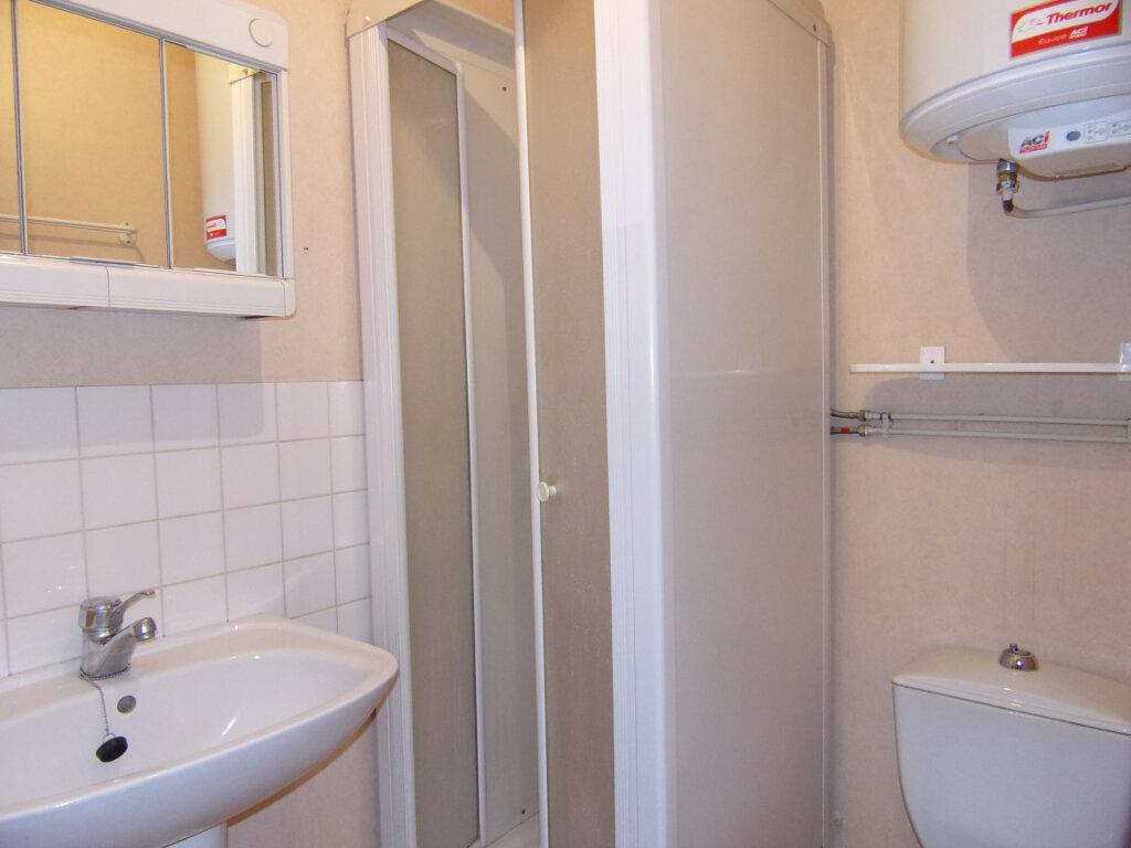 Appartement à louer 2 34m2 à Lorris vignette-6