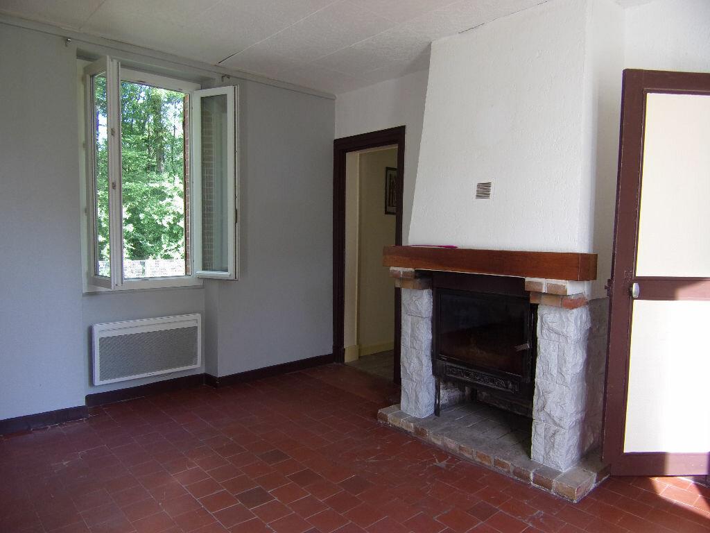 Maison à louer 4 66.88m2 à Coudroy vignette-3